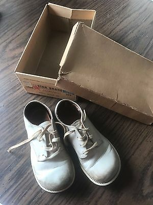 Vintage Baby shoes Weather Bird Weatherized in box narrow heel