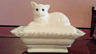 Vintage Westmoreland White Milk Glass Cat Covered Candy Dish Blue Glass Eyes