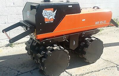 """Atlas Copco LP8504 (APT WR8533) Trench Roller - 33"""" Tandem Padfoot - Soil - New"""