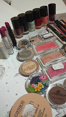 Lot mixte maquillages abimes(40article)