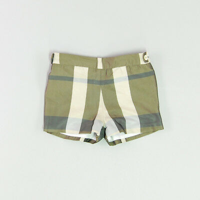 Shorts color Marrón marca Karpi 12 Meses