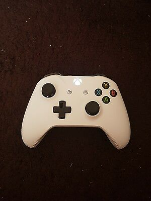 Official Microsoft Xbox One / 1 Wireless Controller in White