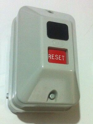 Mem Enclosed Dol Starter 2.2Kw 240V Coil 533Vsr Reset Button No Overload Relay
