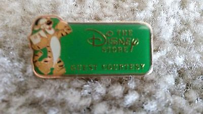 Disney Store Cast Member Guest Courtesy Pin - Green First Level
