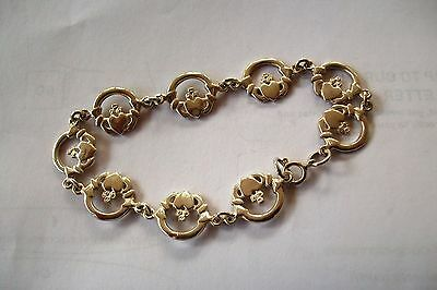925 Silver Claddagh Bracelet With Ring Clasp. Weight Is Approx 7 Grams.