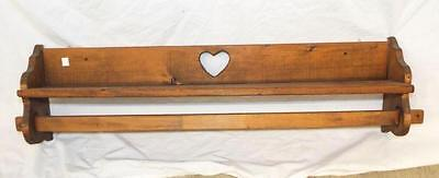 Decorative Shelf With Heart Cut Out Lot 4402