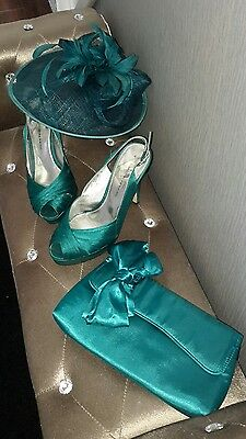 turquoise fascinator, shoes size 4 and hand bag. beautiful occasion wear