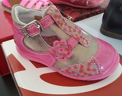 Chaussures neuve marque GBB modèle BELINE rose fushia or taille 21 neuf cuir