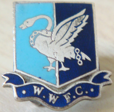WYCOMBE WANDERERS FC Rare vintage badge Maker L SIMPSON Button hole 20mm x 21mm