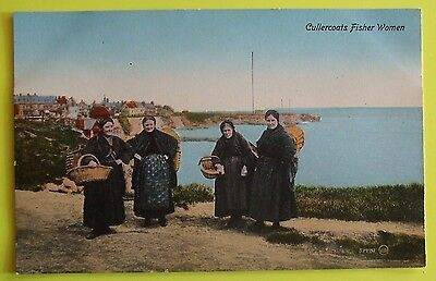 SAVILLE BROS Postcard c.1910 CULLERCOATS FISHER WOMEN SOUTH SHIELDS DURHAM
