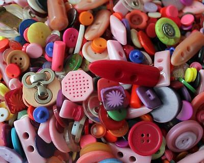 Mixed Plastic Assorted Coloured Size Card Art Craft Sewing Scrapbook Buttons