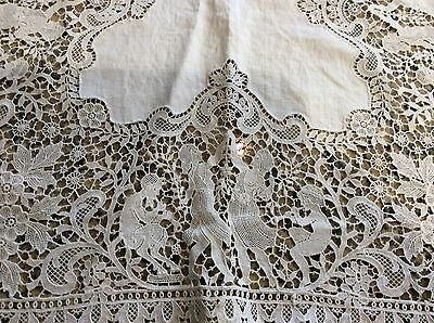 Beautiful Antique VTG Figural Lace Table Runner and Six Placemats- LOOK!