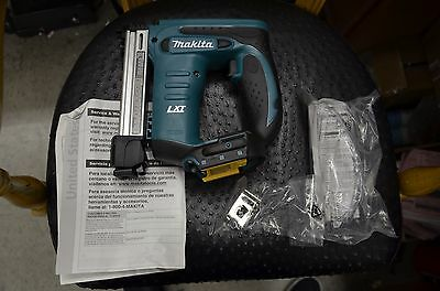 NEW Cordless 3/8 Crown T50 Furniture Hobby Electric Stapler 'Bare' Makita XTS01Z