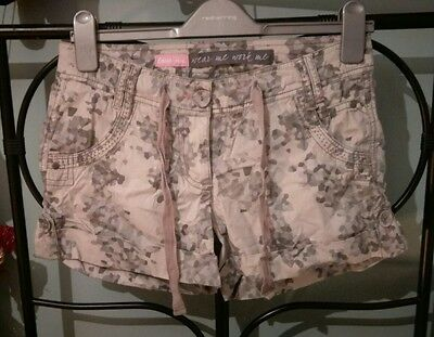 Womens NEW LOOK Cotton Camo Shorts Size 8. Grey, green with pink stitching