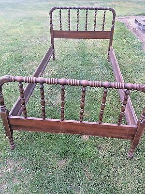 Antique 19th Century Victorian Jenny Lind Walnut Spindle Bed - Twin