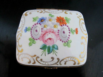 Hand Painted FLORAL Porcelain Gilt SEVRES French Hinged Trinket Snuff Box