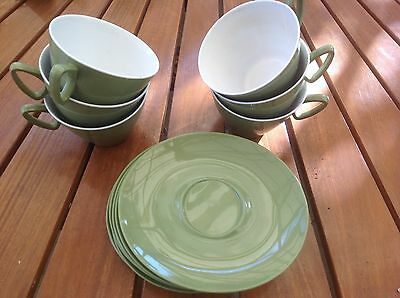 set 60's green picnic set 6 cups / saucers elliptical white interior