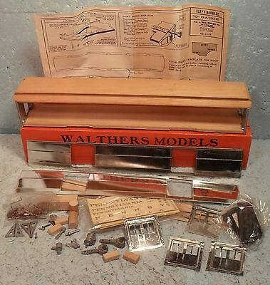 Walthers O Scale/Gauge 56-Foot Heavyweight Baggage Passenger Car