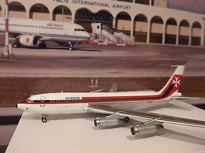 Air Malta Boeing 720-040B Reg 9H-AAM- Diecast model with stand and landing gear