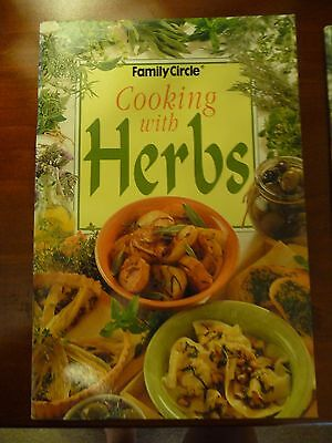 FAMILY CIRCLE mini cookbook COOKING WITH HERBS EUC