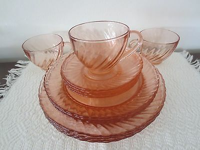15 Pieces of  Arcoroc Rosaline Pink Swirl Dinnerware - Excellent!