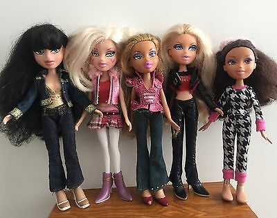 Bundle Of 5 Dressed Bratz Dolls - With Clothes & Shoes