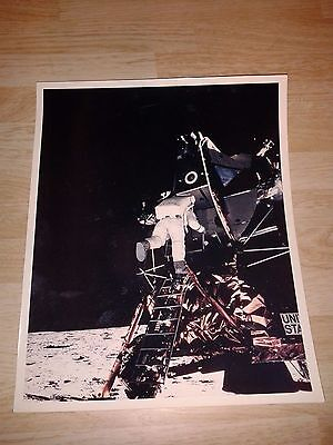 "Rare Buzz Aldrin Descending Ladder ""A Kodak Paper"" 8x10 Vintage NASA Photo NrMT"