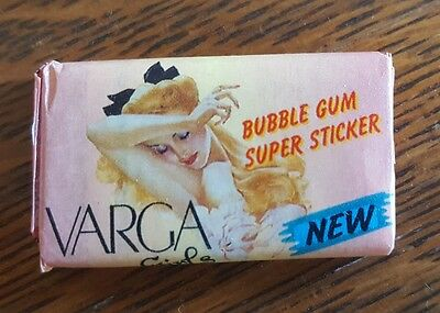 VARGA Girls Bubble Gum Super Sticker 15 pieces Vintage Pinups