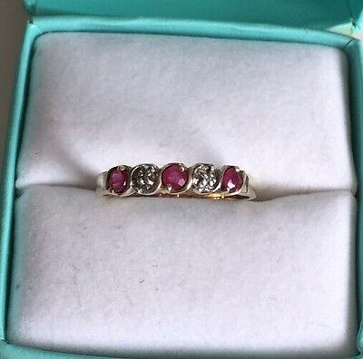Vintage Ladies 9ct Gold Ruby And Diamond Ring
