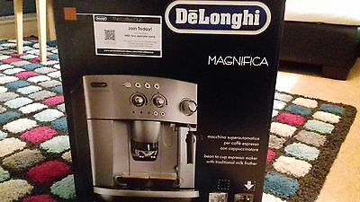 DeLonghi  Bean to Cup & Ground Coffee Machine & Free  Cups ESAM4000B NEW BOXED