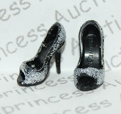 NEW Barbie Basics Collection 2.5 Model 14 Doll Silver Glitter Shoes Model Muse L