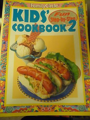 FAMILY CIRCLE STEP BY STEP Kids Cookbook 2 EUC
