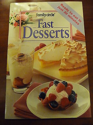 FAMILY CIRCLE mini cookbook FAST DESSERTS Ready to eat in 30 minutes! EUC