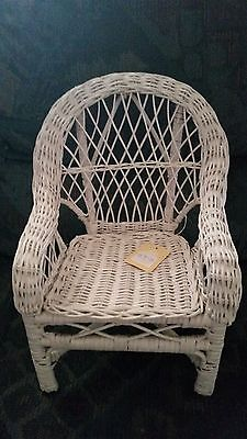 """Boyds Bear Collection White Wicker 12"""" Tall Valerie's Relaxin Chair Style 654957"""