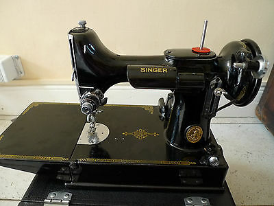 Singer 221k1 featherweight sewing machine in carrying case + instruction booklet