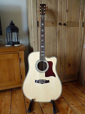 Fantastic Tanglewood Sundance TW1000 CE Electro Acoustic Guitar