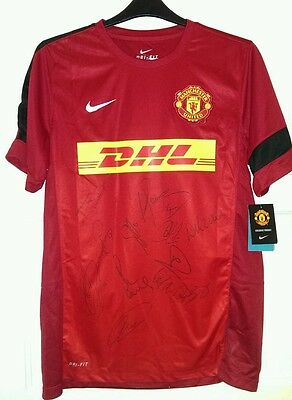 2012-13 Manchester United Autographed Training Shirt With Club Certificate