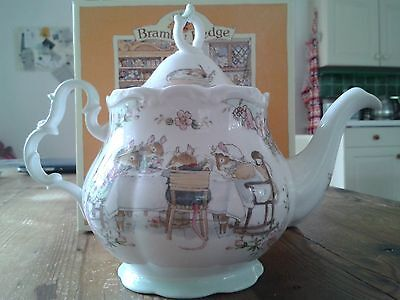 Royal Doulton Brambly Hedge Full Size Teapot 1985 with box