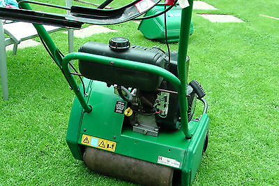 Qualcast Classic Petrol 35S Cylinder Self Propelled Lawn Mower With Scarifier