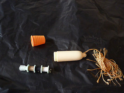 Vintage Travel Sewing Set Kit  , Thimble, Cottons and Needle Case