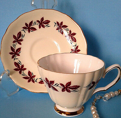 COLCLOUGH c.1960 Cream With Red VIRGINIA CREEPER VINE Fluted Tea Cup and Saucer