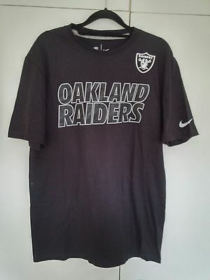 Nike Oakland Riders NFL t-shirt in size M