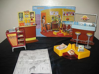 Daily Dish Cafe Playset Myscene Bambola Barbie Mattel 2003 C1228 Come Nuovo