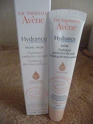 Eau Thermale Avene Hydrance Optimale Rich Hydrating Skin Tone Perfector New