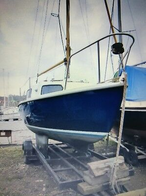 Sea Wych 19 foot sailing boot sloop yacht with trailer