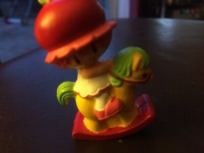 Vintage Strawberry Shortcake - CHERRY CUDDLER 1982 Mini Figure Miniatures MACAO