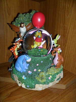 Disney Store Winnie Pooh Snow Globe Limited Edition Boxed