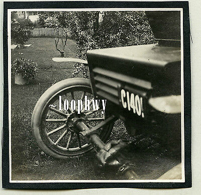 c1910s Out of Frame Partial CAR, Connecticut 1905 License Plate - Vtg Old PHOTO