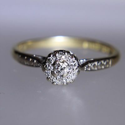 Vintage 18ct Yellow Gold Diamond Daisy Cluster Ring size P ~ 7 3/4