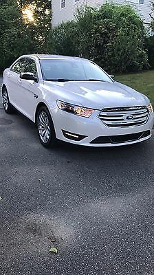 2014 Ford Taurus SEL 2014 Ford Taurus SEL AWD ONLY 7,200 Miles